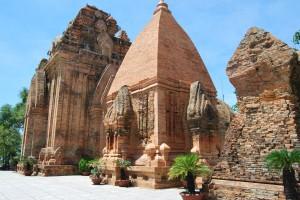 Nha Thrang Cham Towers (9)